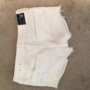NEVER WORN White American Eagle Shorts